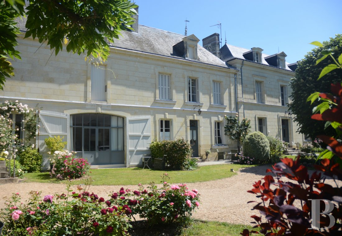 Village houses for sale - center-val-de-loire - A large, luxurious home, its outbuildings and its garden,  in a hamlet near Chinon between the Loire and Vienne rivers