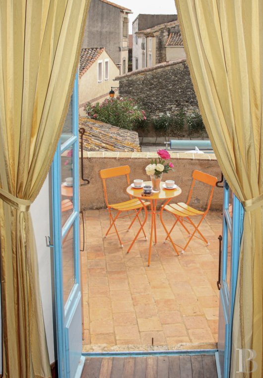 chateaux for sale France languedoc roussillon   - 13