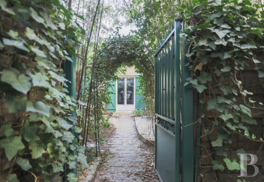 Houses for sale - paris - A concealed, 140 m² house and its 95 m² garden at the entrance to Vincennes Wood  in the Porte-Dorée district of Paris' 12th arrondissement