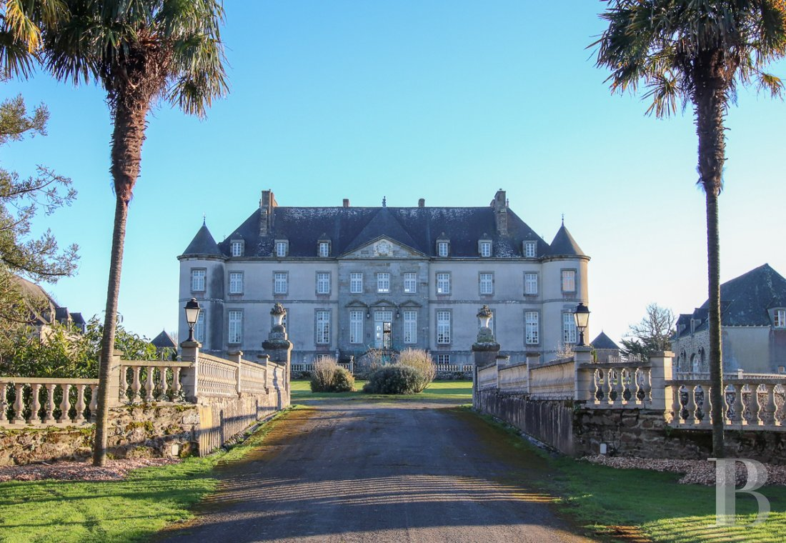 chateaux for sale France brittany   - 2