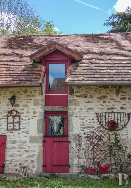 character properties France burgundy   - 6