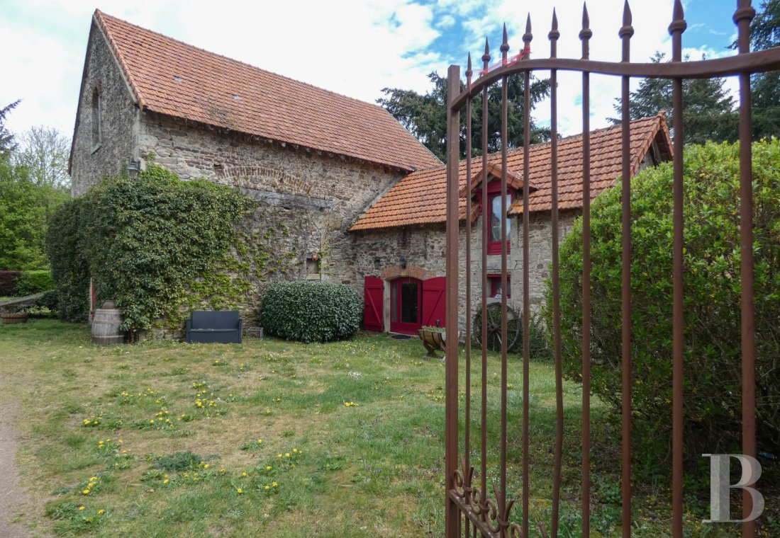 character properties France burgundy   - 2