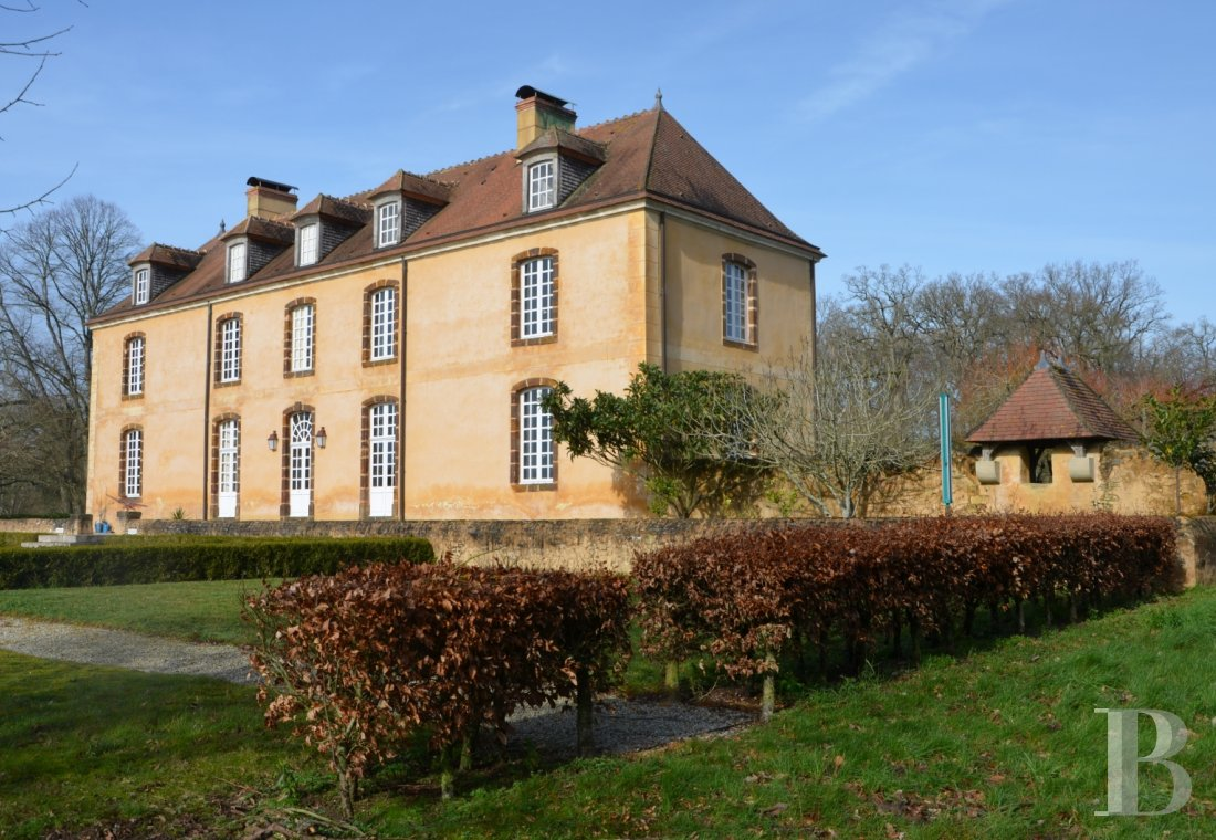 Character houses for sale - pays-de-loire - An 18th century rural house and its outbuildings with almost 7 hectares  in undulating countryside, near a forest, on the borders of the Maine and Perche regions