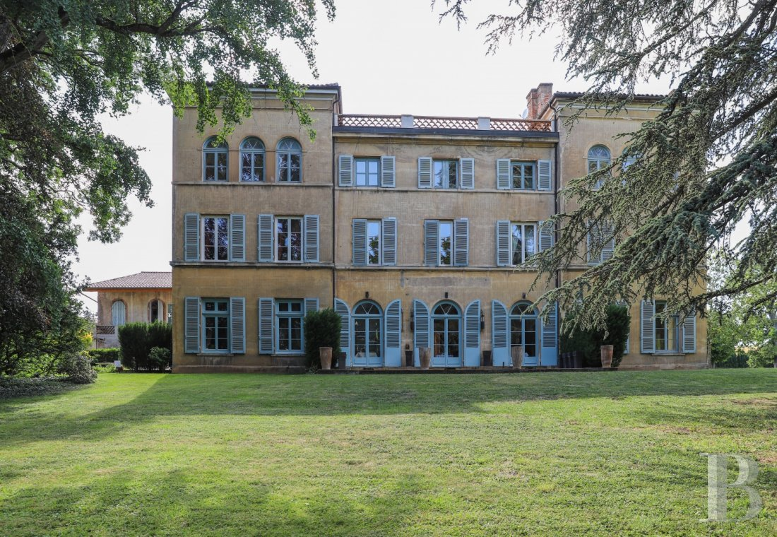 Castles / chateaux for sale - burgundy - In southern Burgundy, a Tuscan-inspired recreational residence  in grounds of 3 hectares