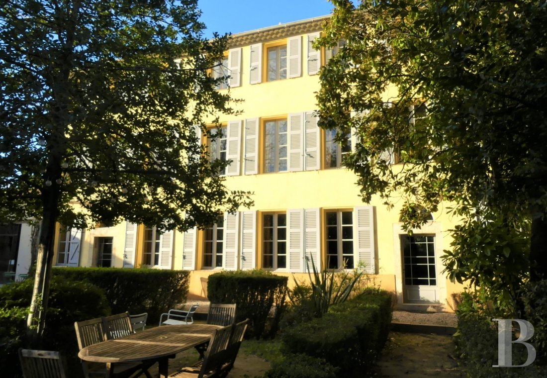 Character houses for sale - provence-cote-dazur - In Brignoles, looking out over an enclosed, verdant garden,  a large, 19th century, middle-class home