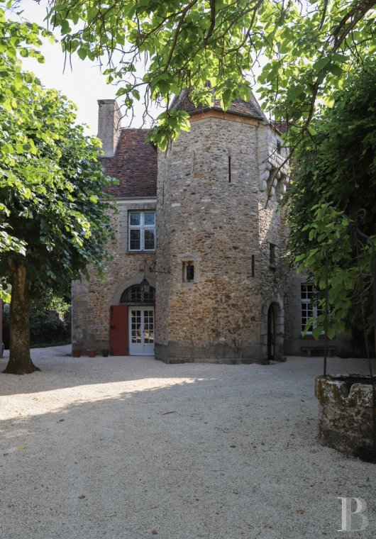 character properties France ile de france character houses - 2