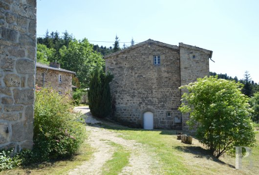 character properties France rhones alps   - 9