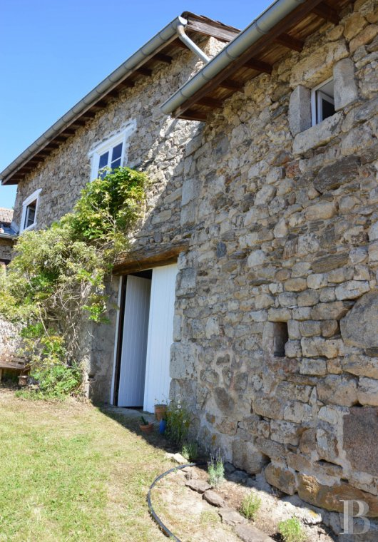 character properties France rhones alps   - 6