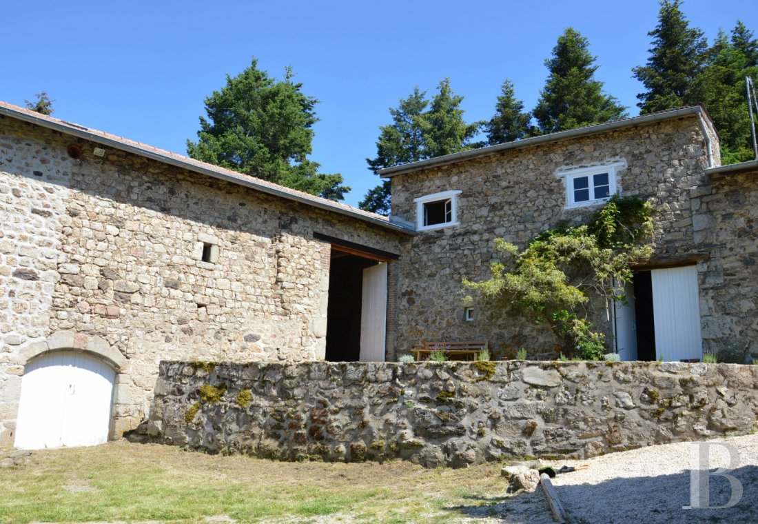 character properties France rhones alps   - 12