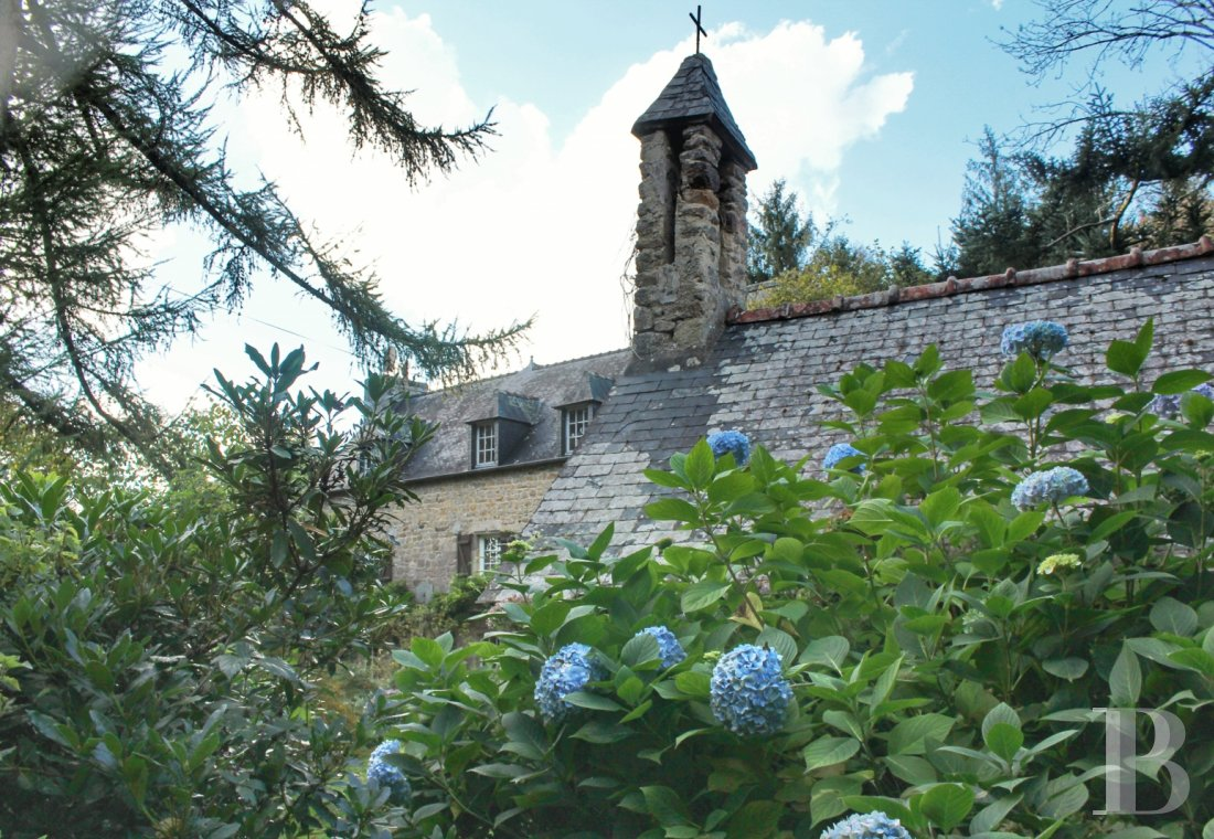 Manors for sale - brittany - An authentic, 17th century manor house and its wooded parklands  in the centre of the Kreiz-Breizh area, where all Brittany's walking trails meet