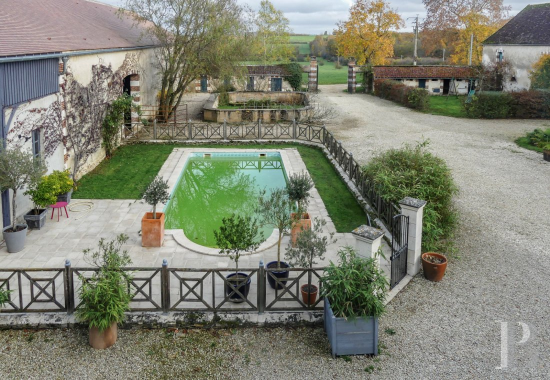France mansions for sale burgundy manors for - 11