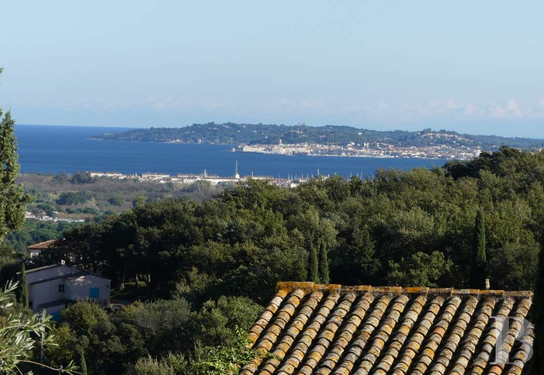 character properties France provence cote dazur   - 9