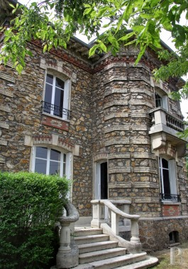 character properties France paris meudon forest - 2