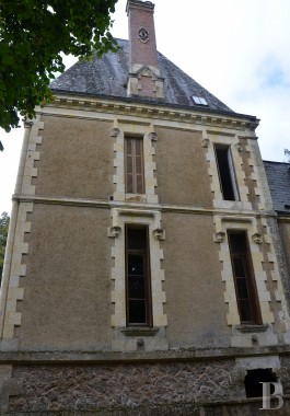 chateaux for sale France pays de loire residences hunting - 3