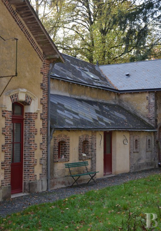 chateaux for sale France pays de loire residences hunting - 11