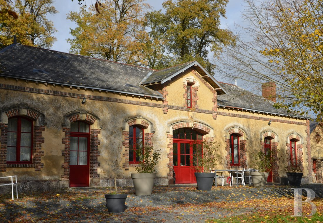 chateaux for sale France pays de loire residences hunting - 9