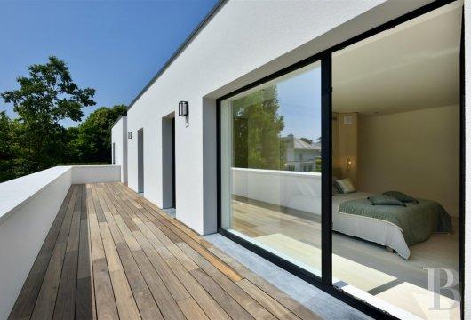 contemporary villa - 11