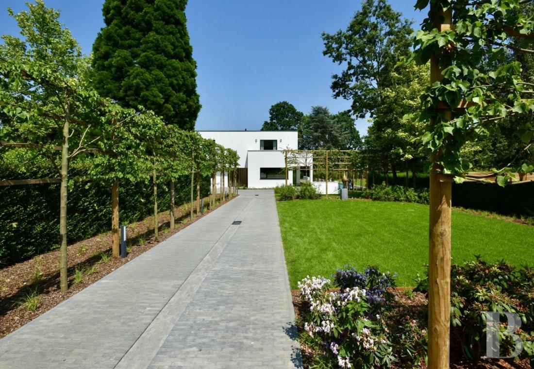 contemporary villa - 13