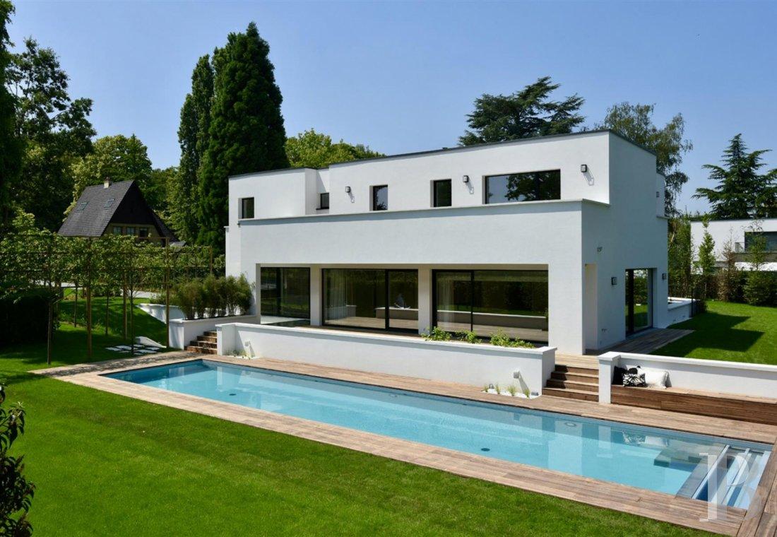 contemporary villa - 1
